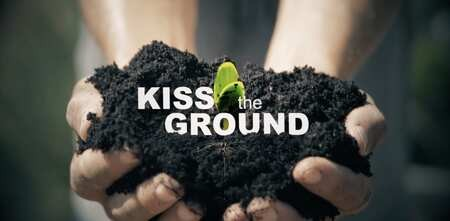 Projection-débat gratuite et en ligne du film Kiss The Ground