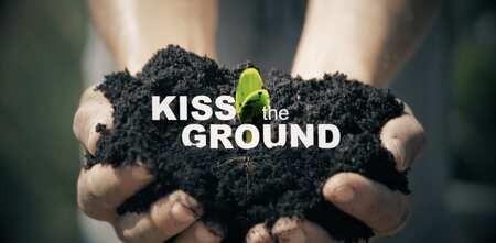 Projection-débat gratuite et en ligne du film Kiss The Ground